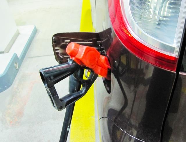 品質も安心で安い!おすすめのガソリンスタンドは、セルフ、激安店、高速道路?いったいどれ?