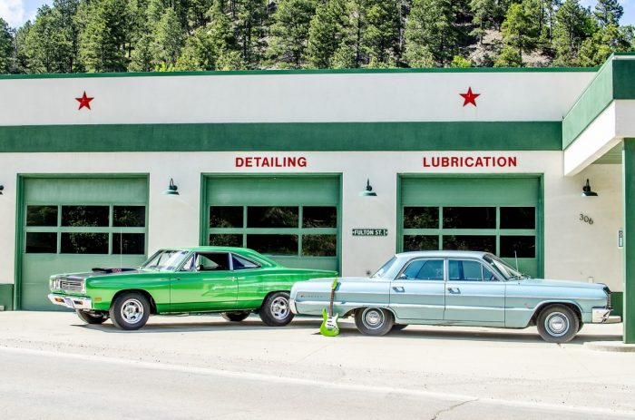gas-station-1130653_1280