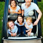 軽自動車の定員の謎を解決!大人2人+子どもは何人?罰則罰金や危険性も調査!