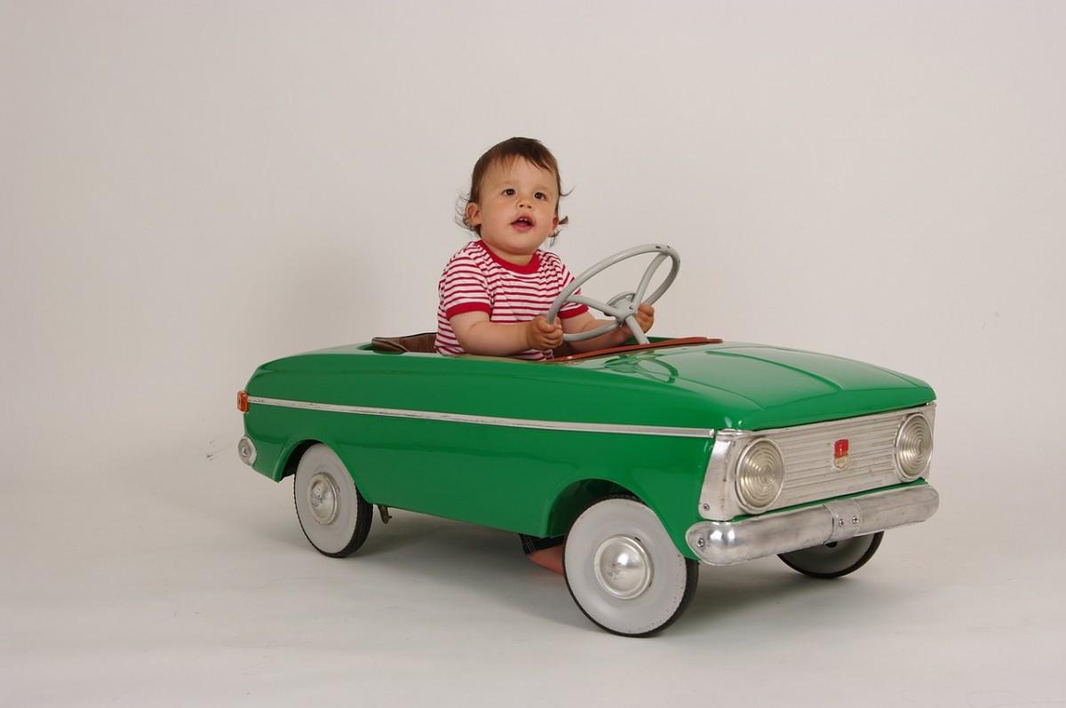 現役ママも納得!子どもの送迎に便利な車の「3種の神器」をご紹介♪