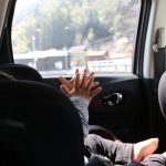 夏の車内は赤ちゃんにとって危険!チャイルドシートも暑さ対策が必要!オススメ冷却グッズ4種