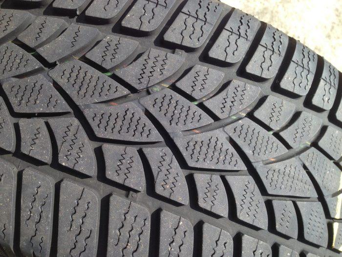 winter-tyre-1342875_960_720