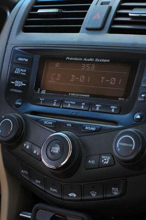radio-1309905_960_720-2
