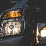 【超簡単】車のヘッドライトのランプ(電球)を自分で交換する6つの手順!動画あり
