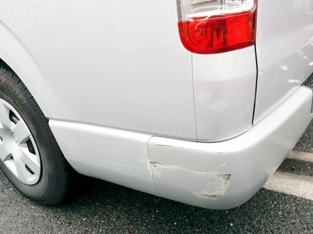 あ!愛車にキズが・・・みんなキズや凹みってどこに修理に出しているの?