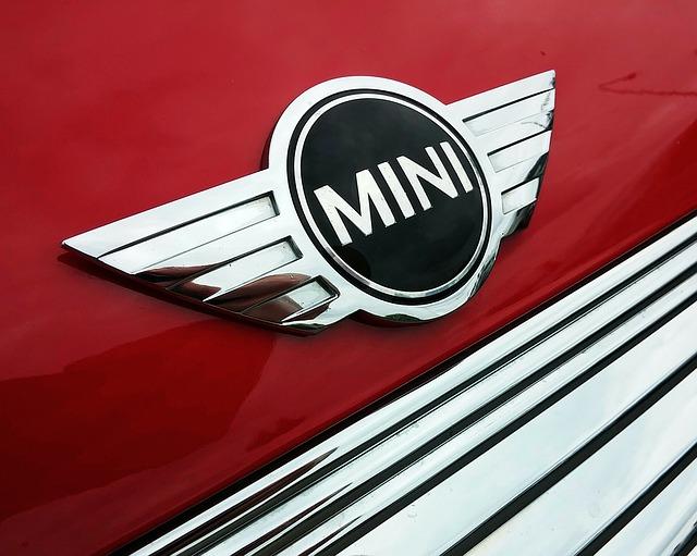 MINIクロスオーバーのオーナーが語るMINIの魅力~購入動機・乗り心地・維持費など~