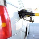 【初心者】ガソリンスタンドの使い方・入れ方!セルフ編&有人編!支払い方法や給油口位置の簡単確認方法もご紹介!
