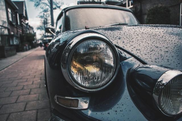 雨で濡れた車の汚れを放置すると雨ジミに!オススメグッズ5選で雨対策しよう