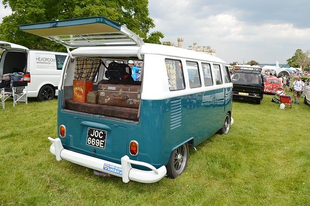 夏の車中泊におすすめカー用品9種!寝具、電源類、カーテン、扇風機等を使って車内で快適に過ごそう!