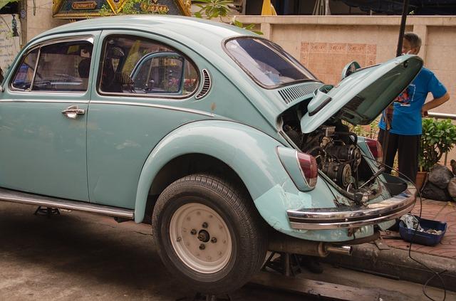 古い車を手放したい。どんな手続?費用はいくらかかる?