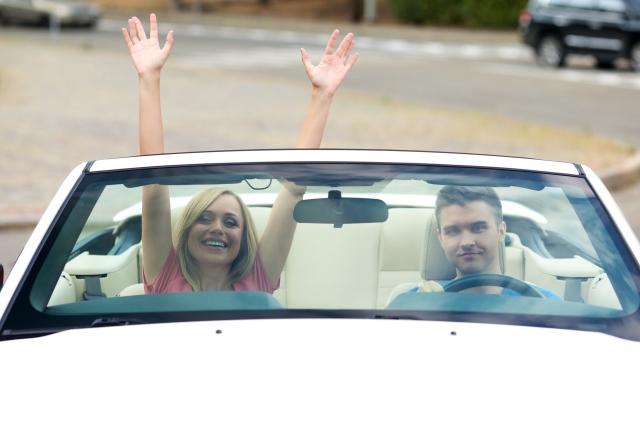 ドライブデート中は助手席美人を目指そう!彼氏の好感度がUPするマナーBEST5とNG行為7選を男性目線で解説