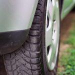 タイヤから異臭がしたら『ブレーキの引きずり』が原因かも!臭いから車の異変を察知しよう