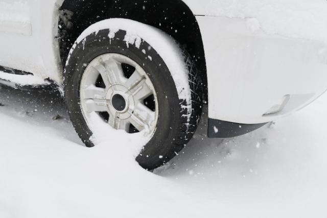 雪道の安全運転のコツを伝授!押さえておくべき4つのポイントと注意が必要な4つの道路