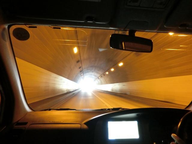 トンネル運転中に起こる不思議な現象5選!これって錯覚?恐怖体験?