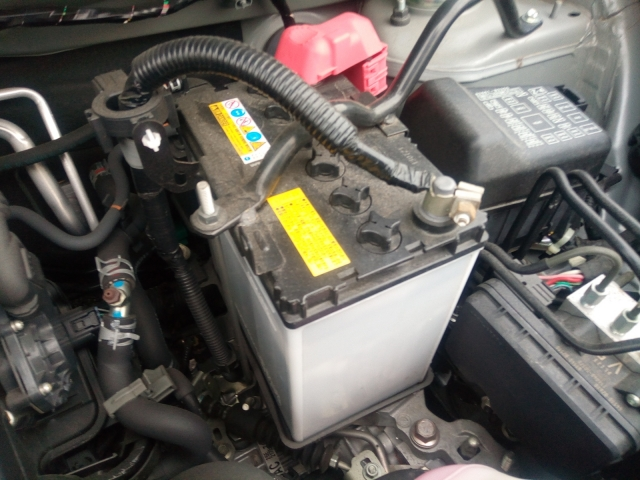 車のバッテリー交換は自分簡単にできて節約効果大!交換方法・オススメ3選・注意点など