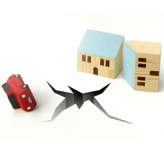 地震・台風などの災害時に車を乗り捨てる時の5つの注意点!ドアはロックすべき?