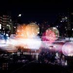 「暗くて見えない!」夜や雨の運転で標識や信号が見えにくい・視界が悪いと感じる人の原因と対策
