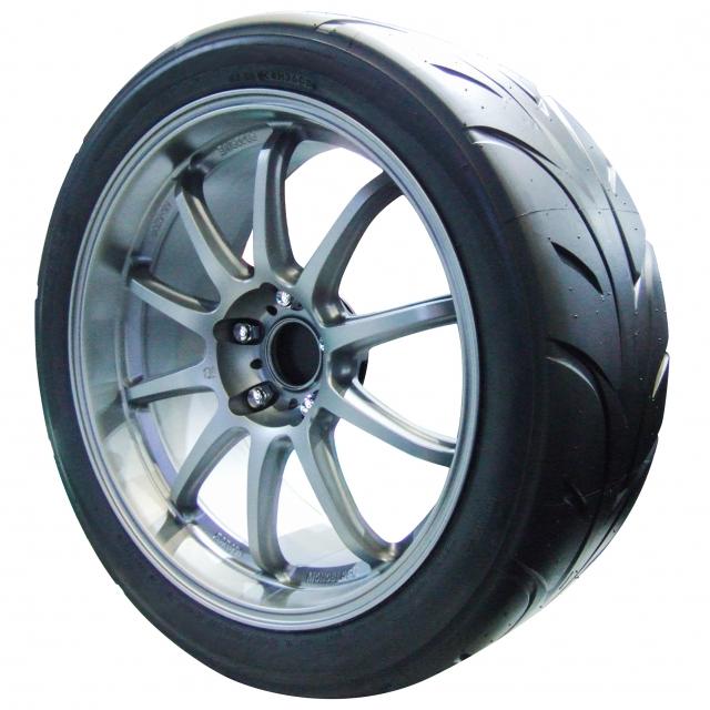 スポーツカーのタイヤ選び!国内タイヤブランド5社の特徴や製品へのこだわりを調査!ブリヂストン・横浜ゴムなど