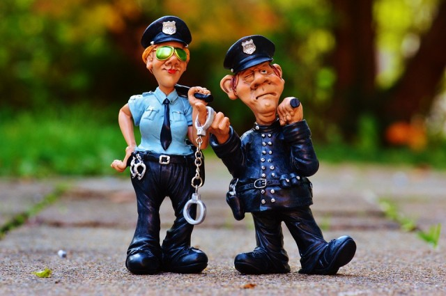 警察のネズミ捕りについて詳しく調査!告知は?何の違反を取り締まるの?場所や時間は決まっている?