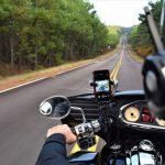 要注意!スマホの「ながら運転」が厳罰化。罰則内容や「ながら運転」対策をご紹介